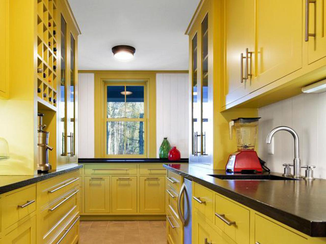 Yellow Kitchen Decor To Brighten Your Cooking Space