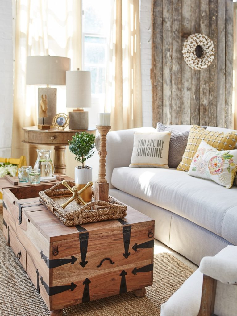 Farmhouse Style for Not Too Spacy Room