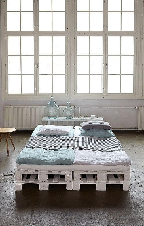 White Coloredd Pallet Bed Frame