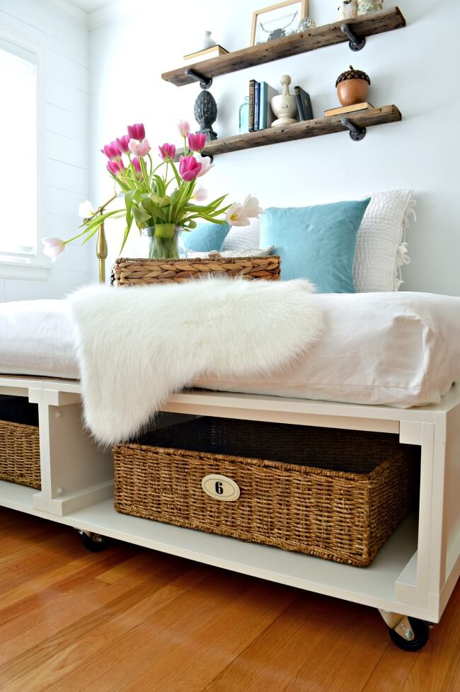 Storage Bed with Wheels