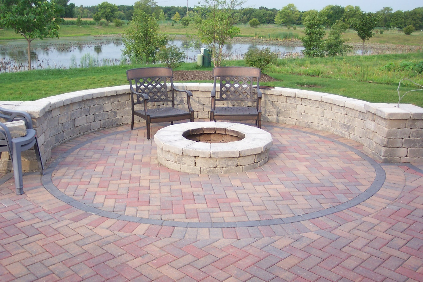 Patio Fire Pit from Bricks