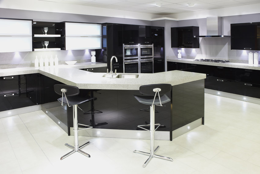 Black and White Modern Kitchen Cabinets