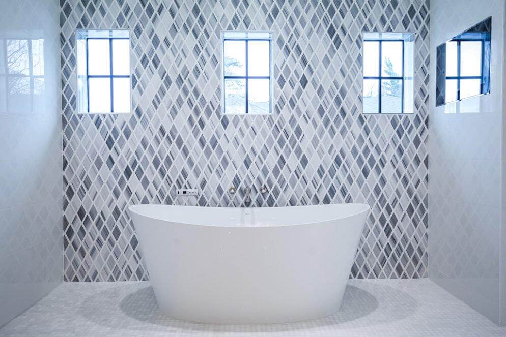 White Bath tub